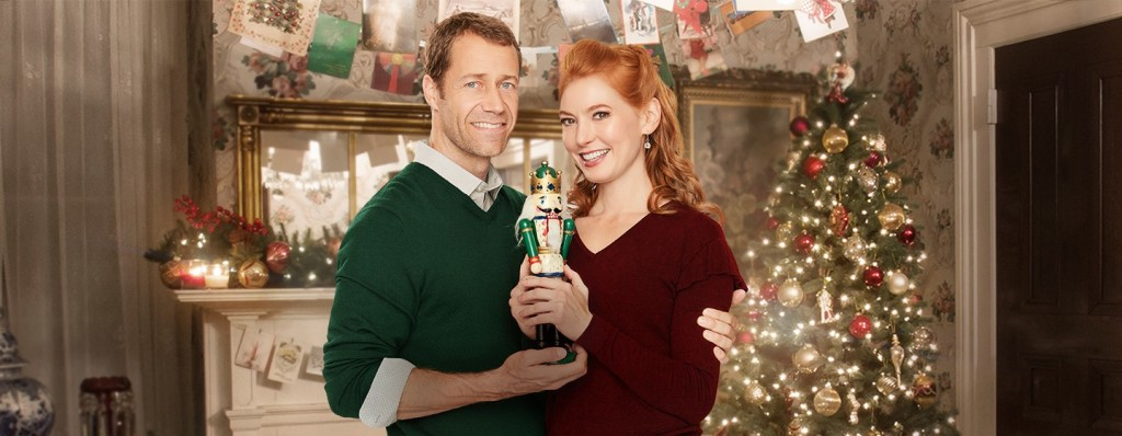 Alicia Witt and Colin Ferguson in Christmas On Honeysuckle Lane