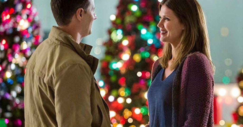 Sarah Lancaster and Brendan Penny in 'Tis The Season For Love