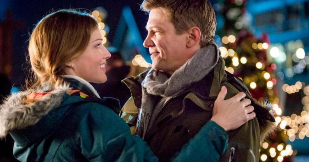 Tricia Helfer and Marc Blucas in Operation Christmas