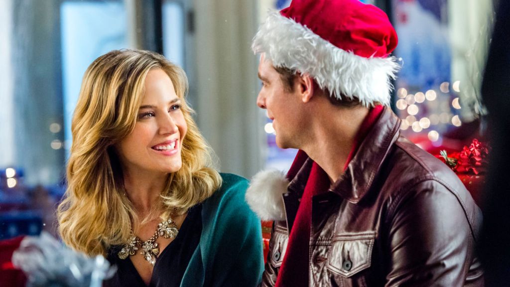 Julie Benz and David Sutcliffe in Charming Christmas
