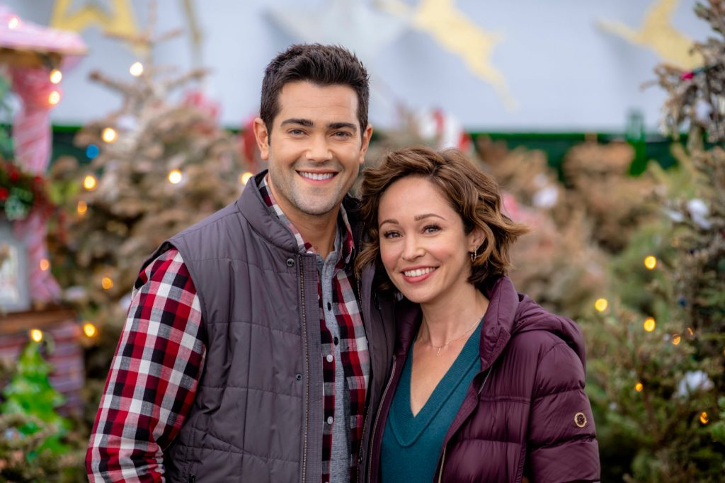 Jesse Metcalfe and Autumn Reeser in Christmas Under The Stars
