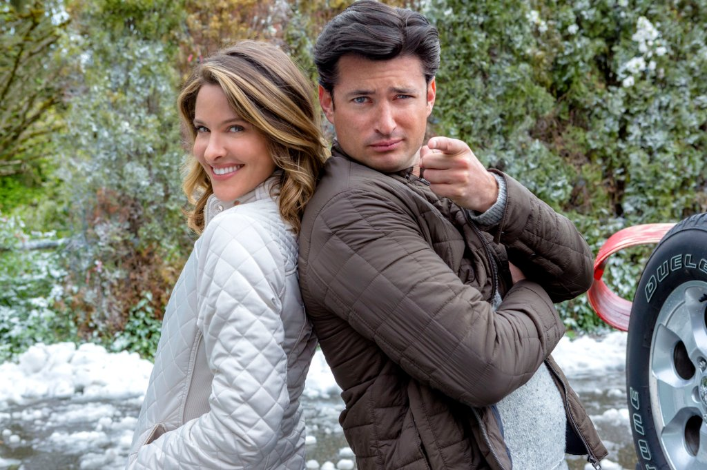 Jill Wagner and Wes Brown in Christmas Cookies