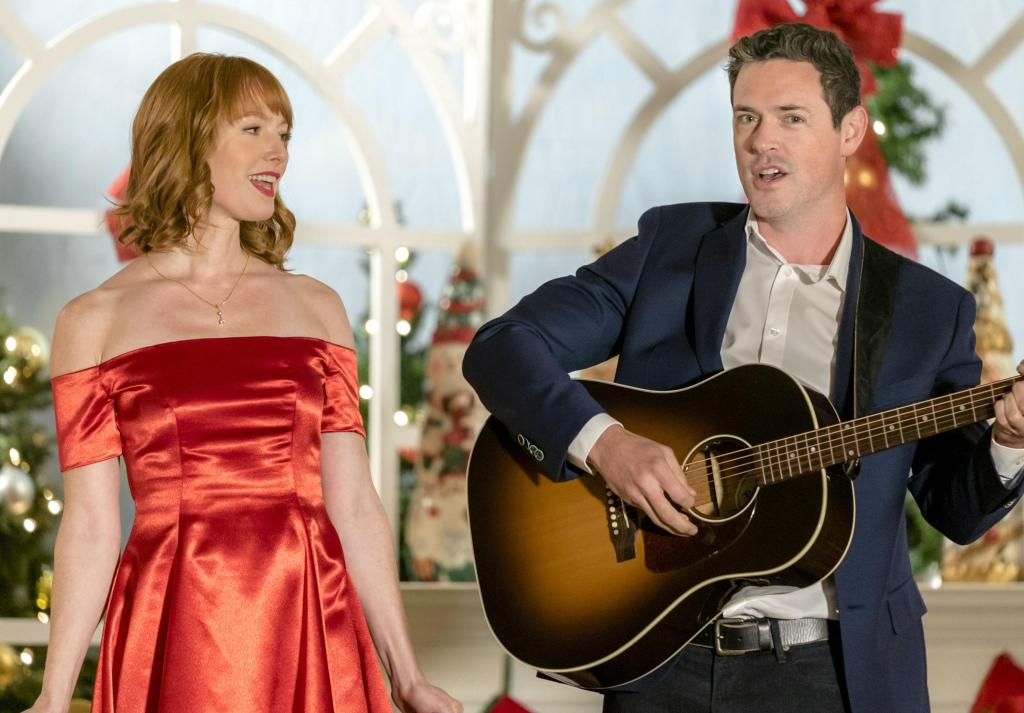 Alicia Witt and Brendan Hines in Our Christmas Love Song