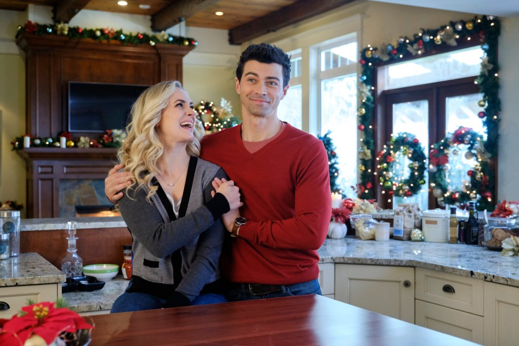 Brittany Bristow and Matt Cohen in Holiday Date