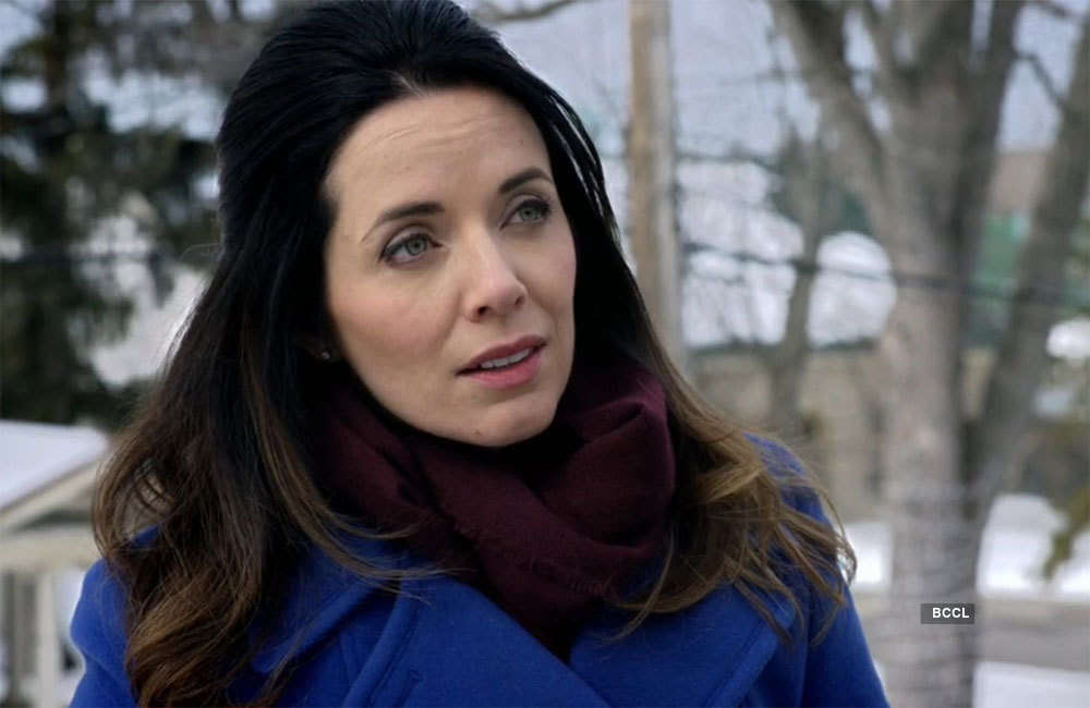 Michelle Morgan in The Rooftop Christmas Tree