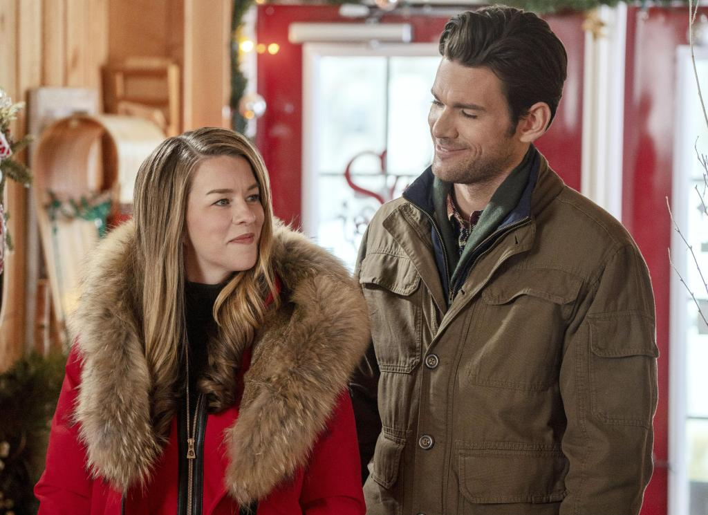Kim Shaw and Kevin McGarry in A Christmas Scavenger Hunt